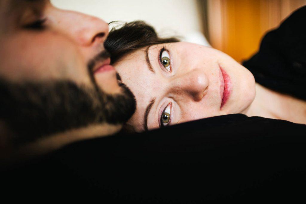 foto gravidanza primo piano occhi della mamma