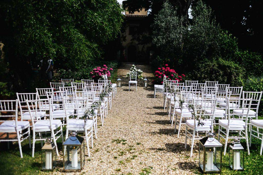 foto matrimonio firenze villa il paradisino allestimento cerimonia all'aperto