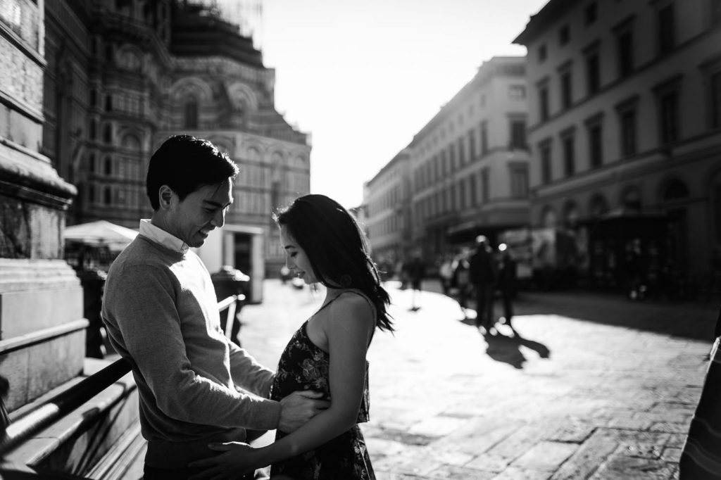 Engagement Photographer Tuscany: Sunrise photo session in Florence