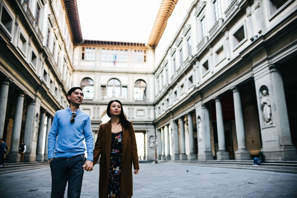 Engagement photographer in Florence
