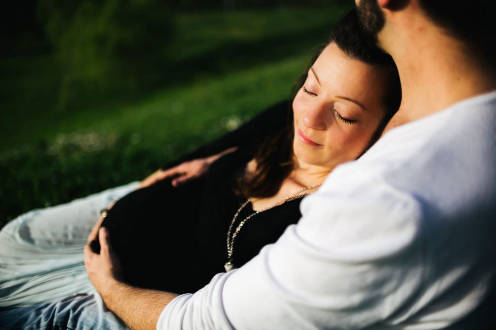 maternity photography session indoor and outdoor23