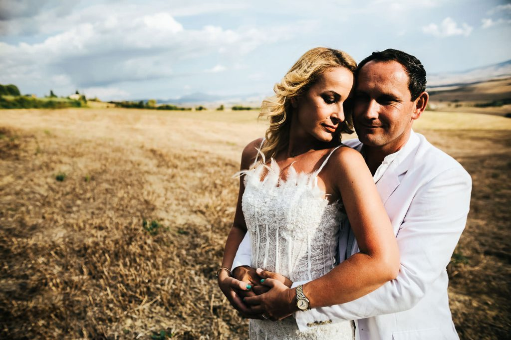 trash the dress photography session in tuscany val d'orcia