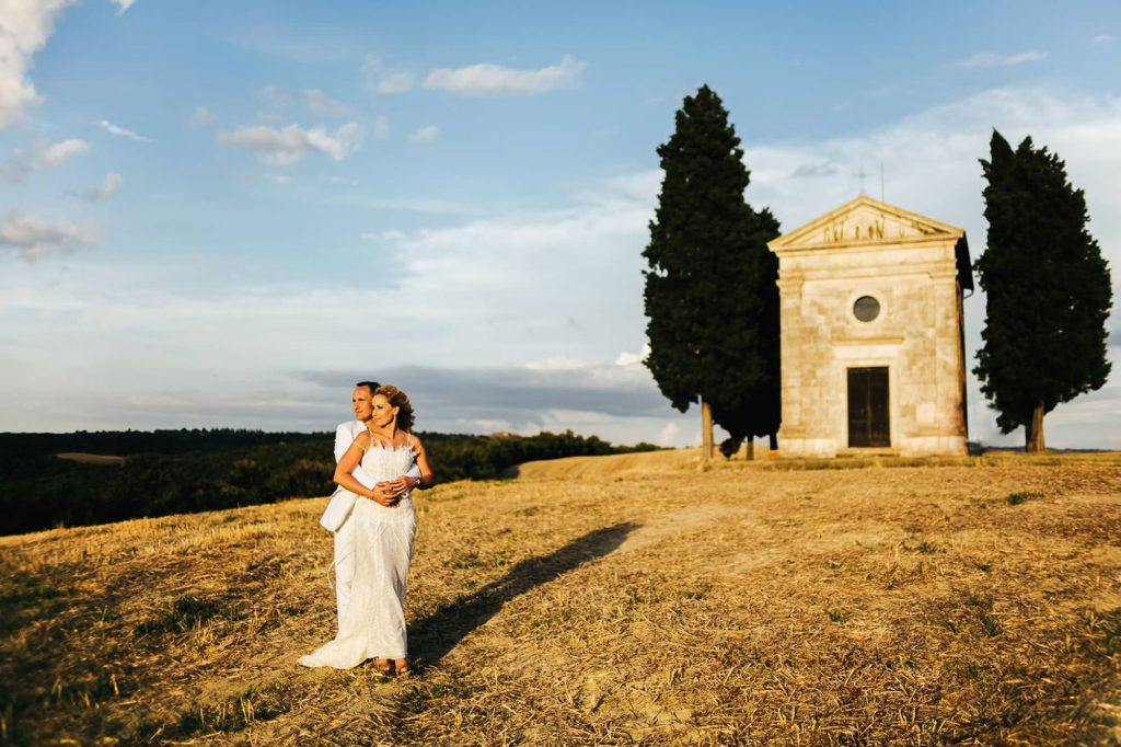trash the dress photography tuscany pienza 18