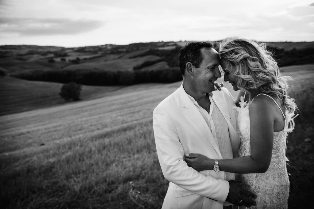 trash the dress photography tuscany pienza 21