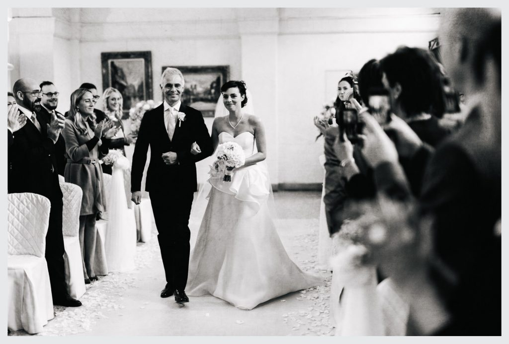 wedding photographer lombardy at villa caroli zanchi45