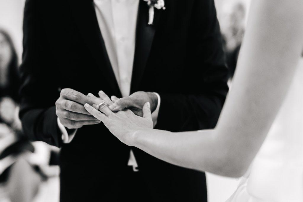 wedding photographer lombardy at villa caroli zanchi59