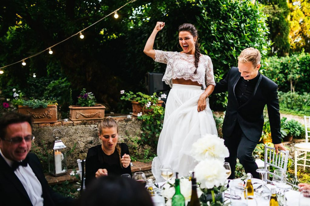 Italian Wedding Photographer in Tuscany: an outdoor wedding at Villa il Paradisino