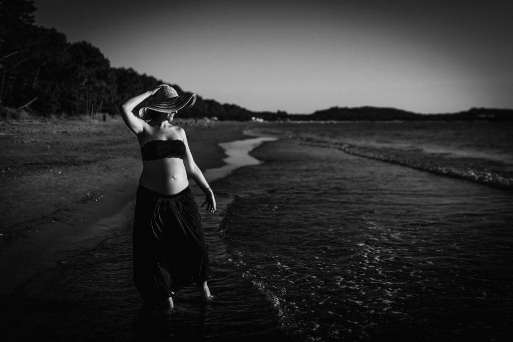 Foto-di-gravidanza-in-spiaggia-30