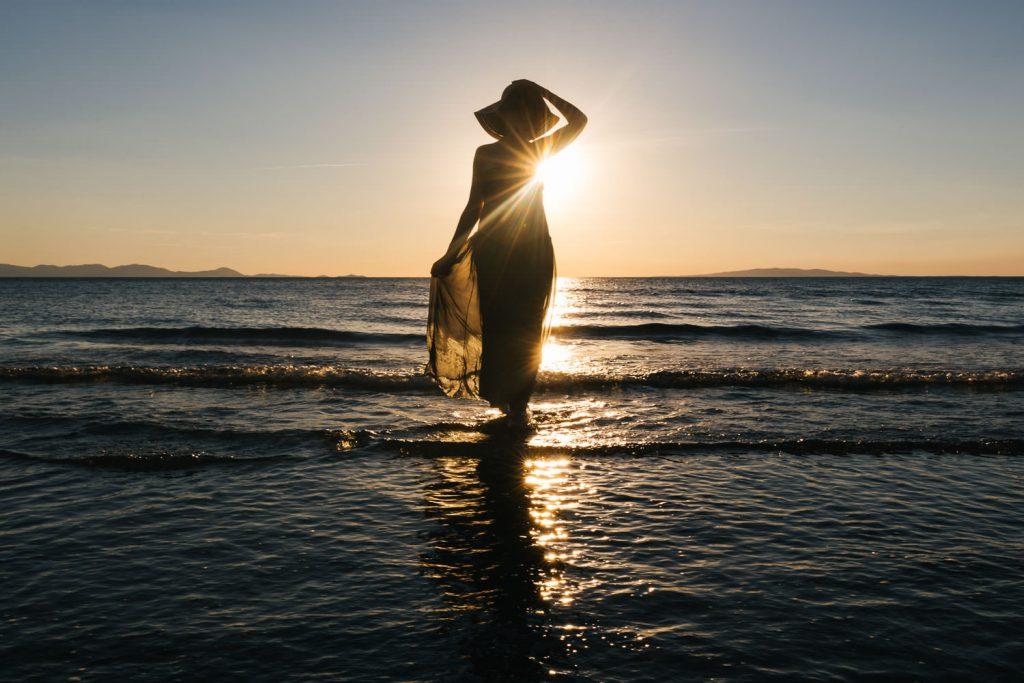 seaside maternity photos