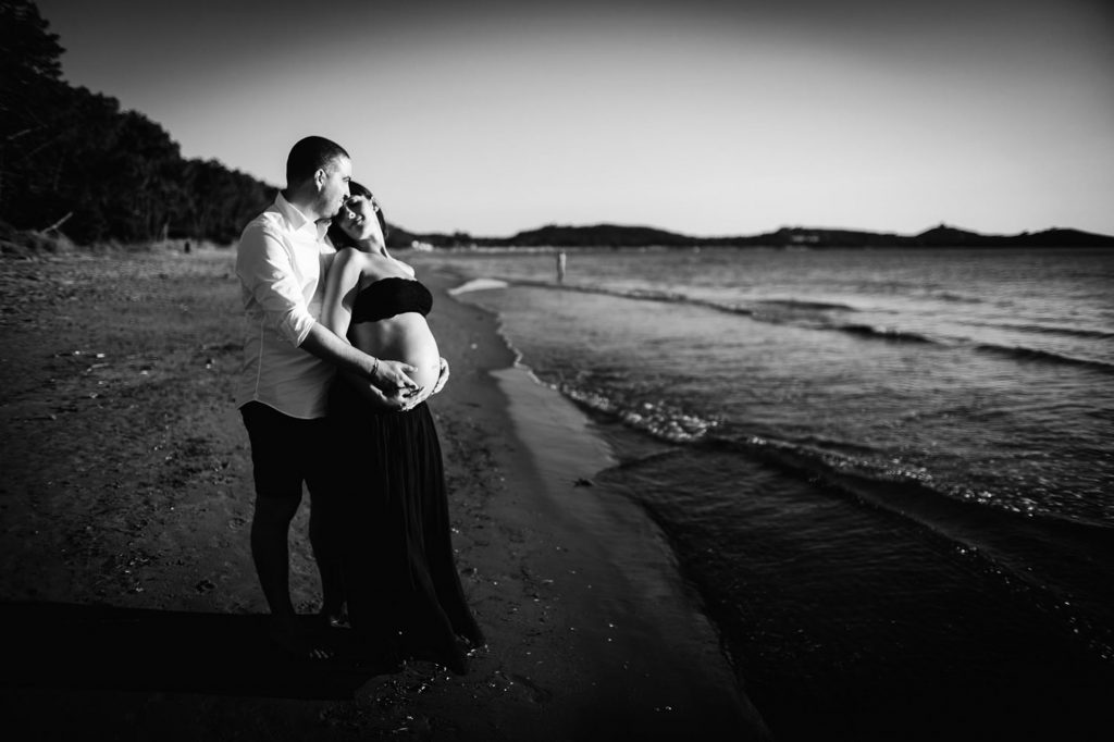 seaside maternity photos 30