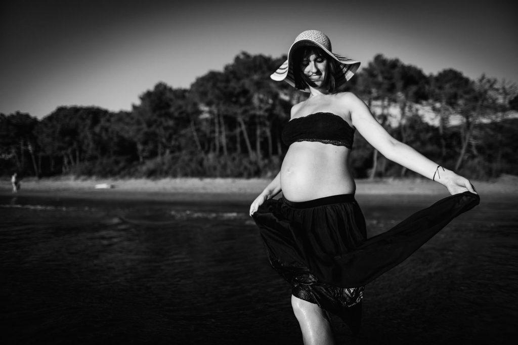 seaside maternity photos 38