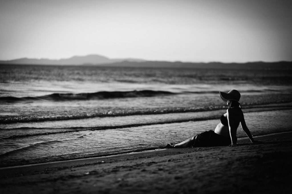 seaside maternity photos 40