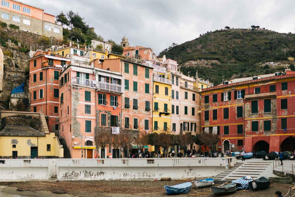 Engagement Photography Session In Cinque Terre - Laura Barbera