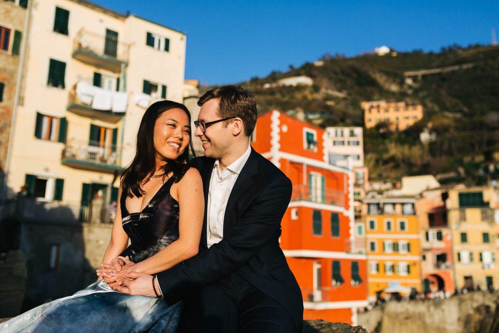 Cinque terre fotografo di fidanzamento
