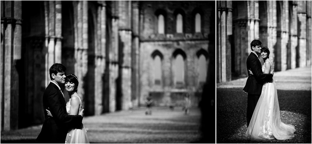 Laura Barbera Photography: Wedding Photographer San Galgano Abbey