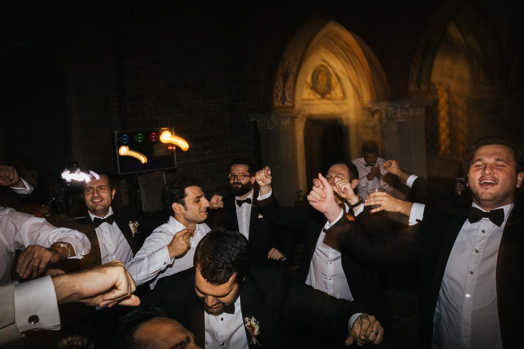 Foto di matrimonio al castello di Valenzano in Toscana 96