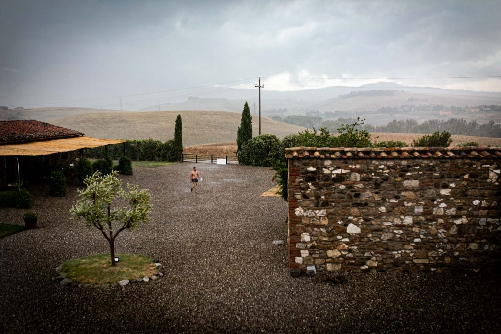 Laura Barbera Photography: Intimate Wedding in Val d'Orcia at Locanda in Tuscany