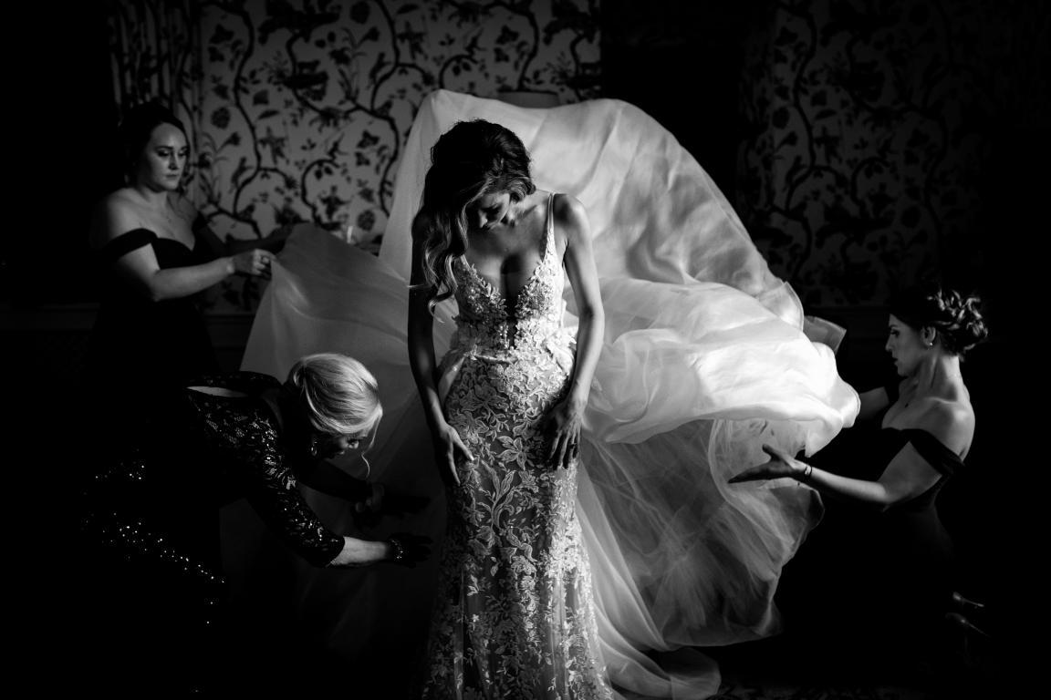belle foto durante la preparazione del matrimonio