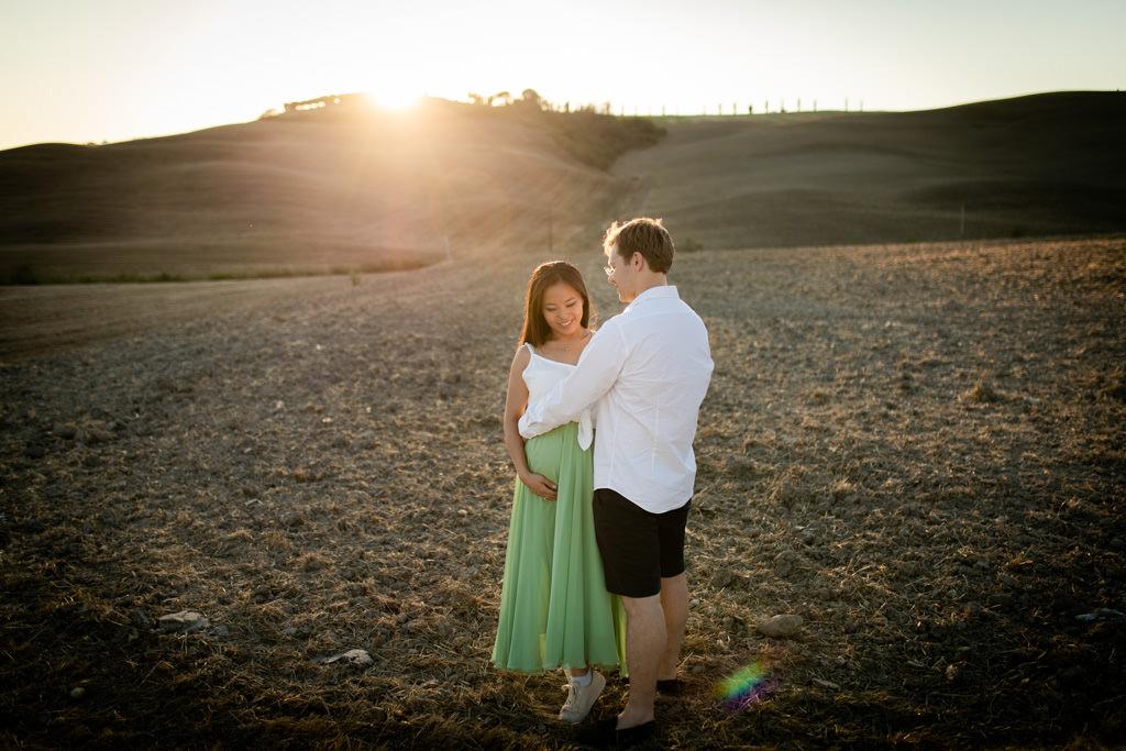 Foto di gravidanza nella campagna toscana 14