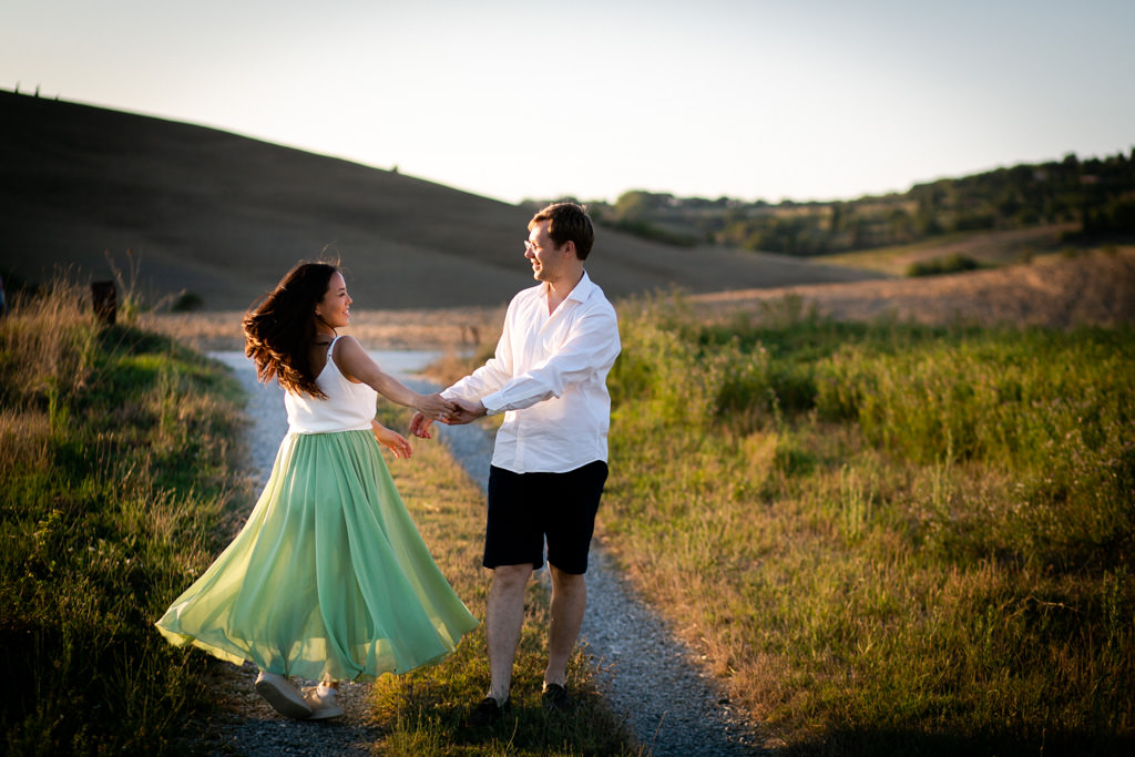 Maternity Photoshoot in Tuscany: Pregnancy photos in the Tuscan countryside