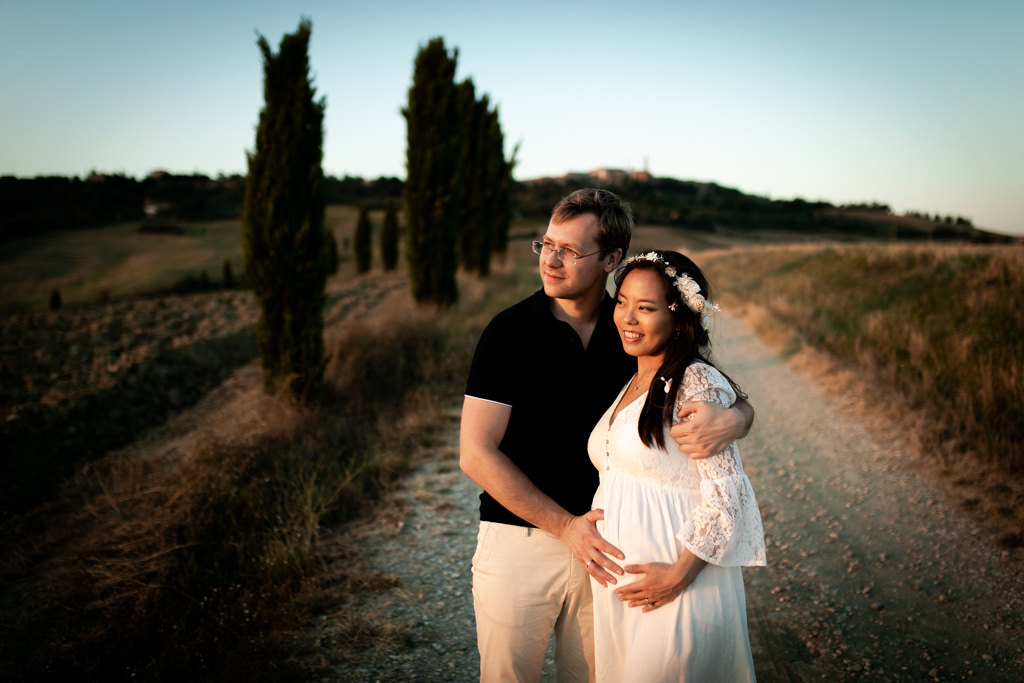 Maternity Photoshoot in Tuscany - Laura Barbera Photography
