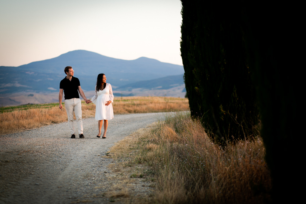 Maternity Photoshoot in Tuscany