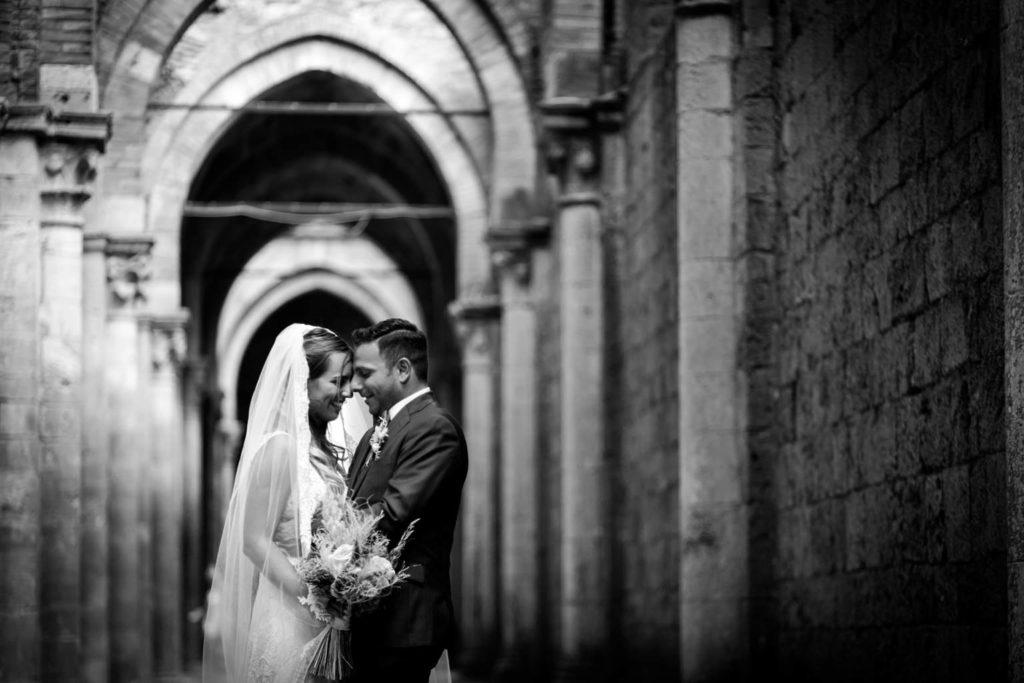 wedding at san galgano abbey and villa podernovoMatrimonio a san galgano