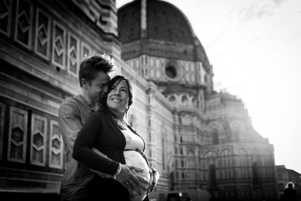 Outdoor maternity photoshoot in Florence